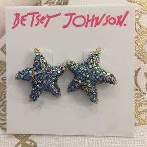 Betsey Johnson rhinestone starfish earrings 🎀